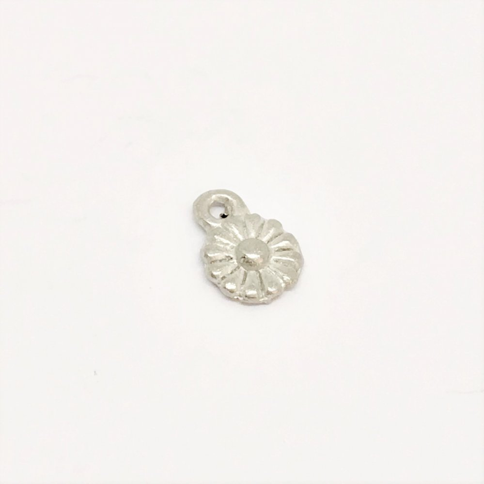 Daisy Dangle Charm<br>Cast Pewter<br>6mm